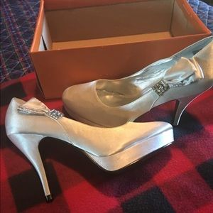 Silver Satin, Brand New Unlisted Heels